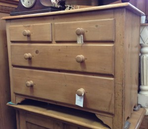 4 draw 2 on top chest of draw pine