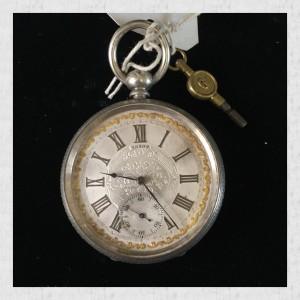pocket-watch-gold-rim