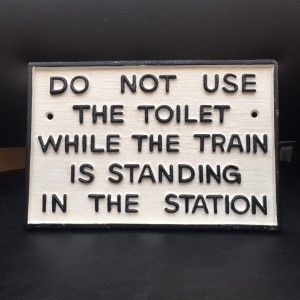 dont-sit-on-toilet