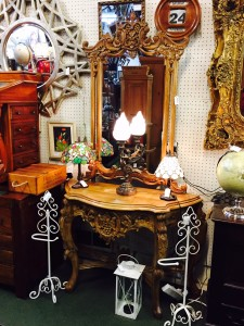 Mirror Carved table