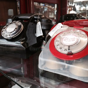 Telephones 2