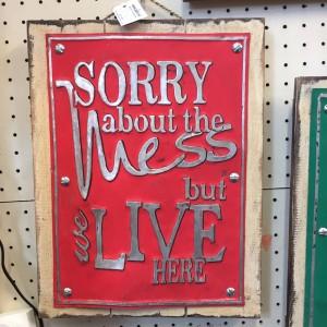 Lives sign